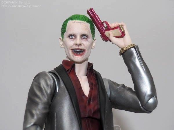 Figuarts Suicide Squad: Jared Leto's Joker. Close-up