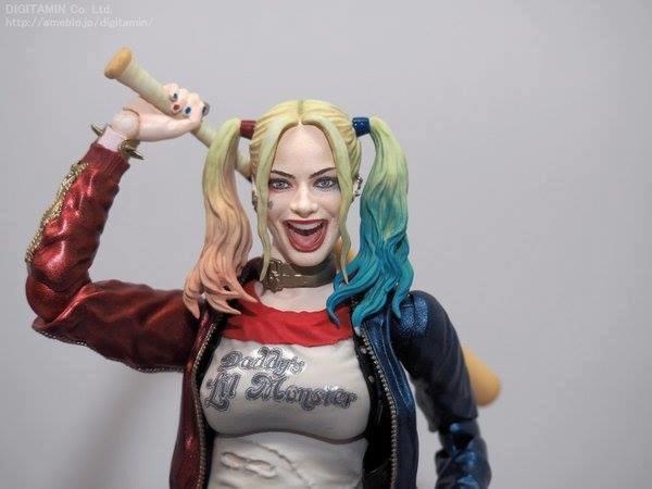 Figuarts Suicide Squad: Margot Robbie's Harley Quinn. Close-up.