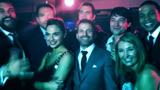 Gal Gadot Chats About Justice League Co-Stars Dark Knight News